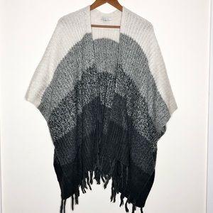 American Eagle Oversized Monochromatic Chunky Sweater Pancho O/S